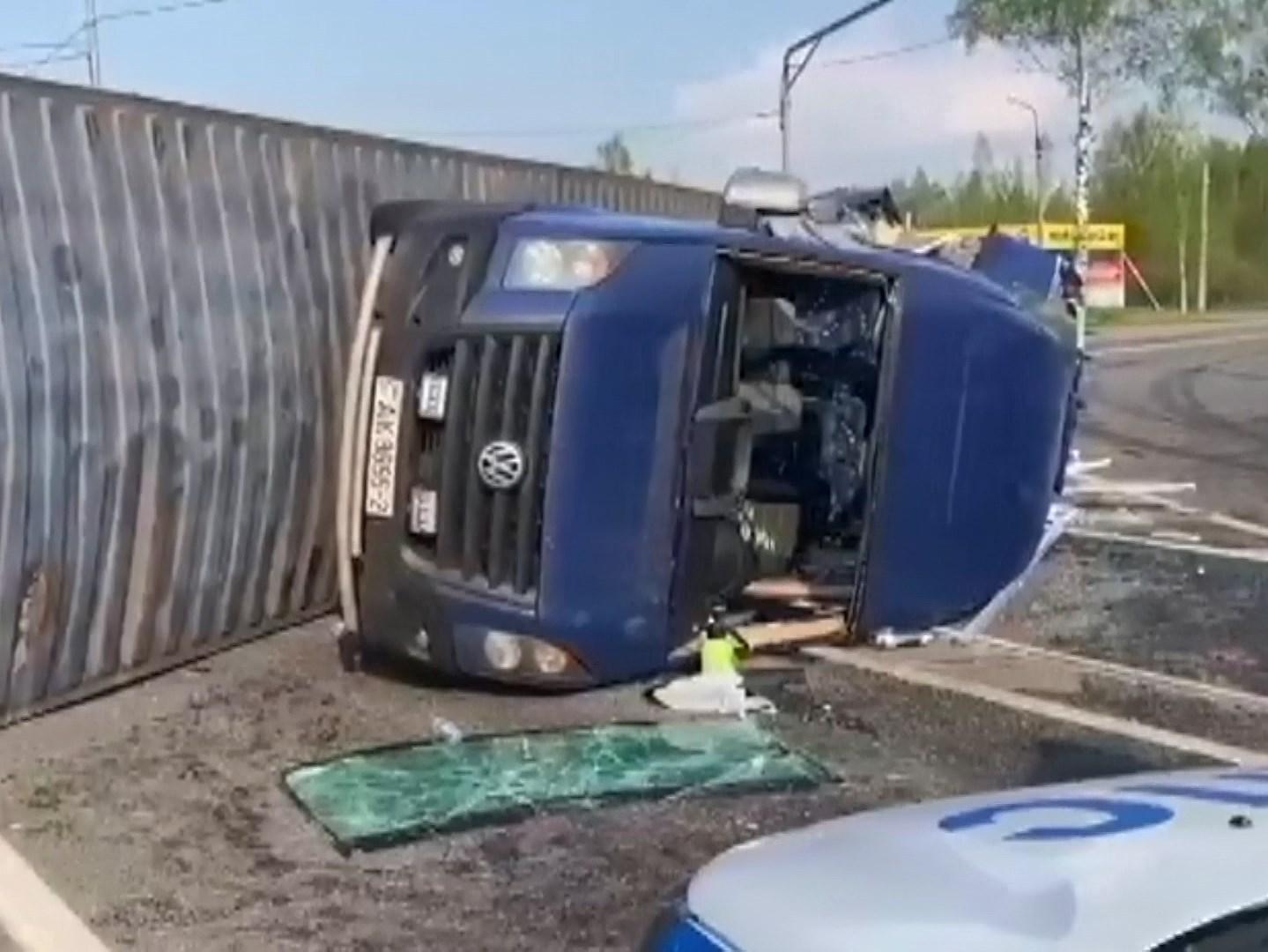 Пятерых пострадавших в аварии с фурой в Смоленской области выписали из больницы