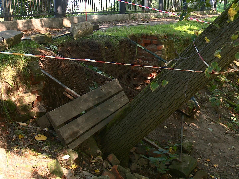 Всмоленском парке «Лопатинский сад» осыпался подземный ход