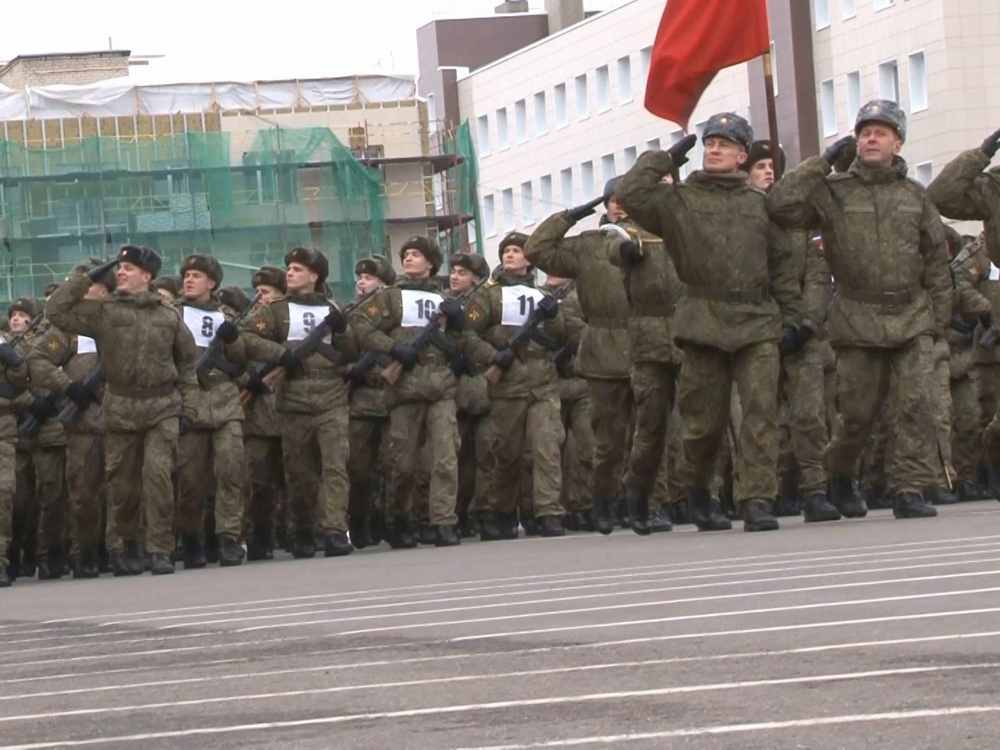 Смоленские курсанты отправились в Москву готовиться к участию в Параде Победы