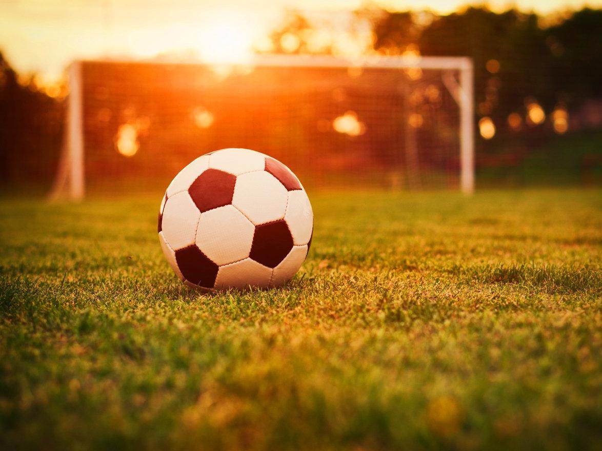 Поединок между великолукскими футболистами и смолянами закончился ничьей
